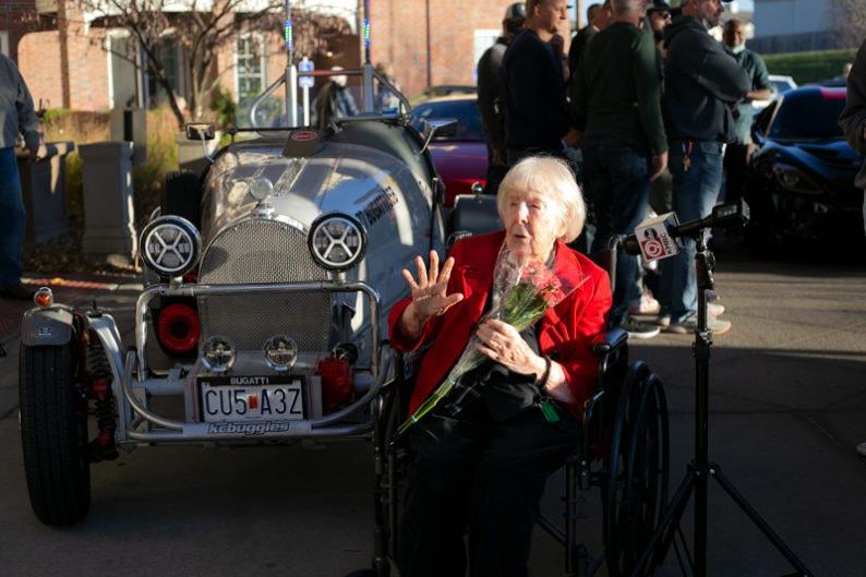 Ms. Notley at Veterans Day Parade