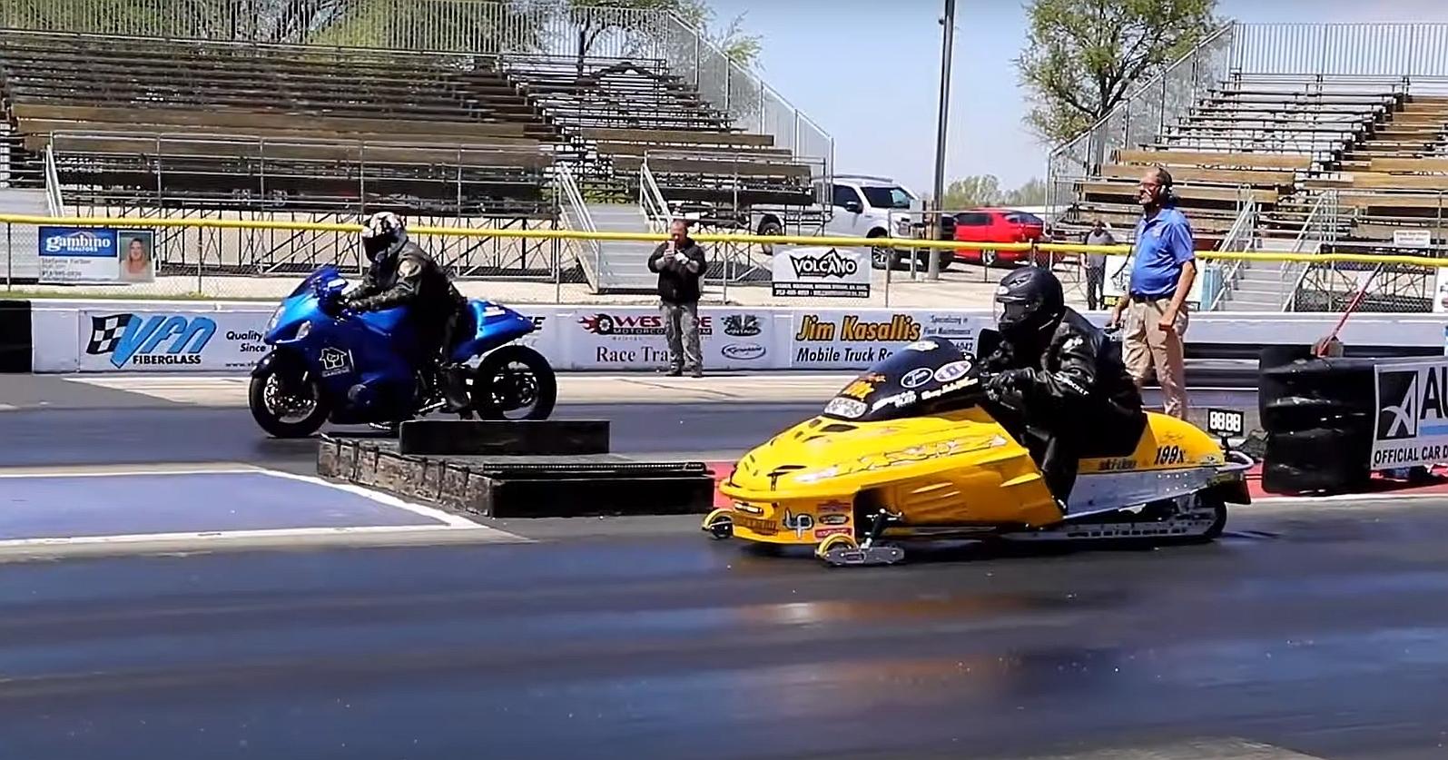 Suzuki Hayabusa vs Snowmobile Is a Weird and Fun Drag Race